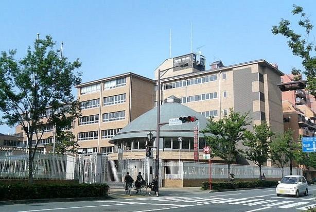 上野由岐子の出身高校の『九州女子高校(現:若葉高校)』
