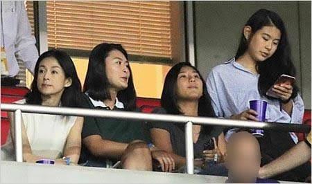 石橋貴明さんと鈴木保奈美さんの子供である石橋三姉妹。