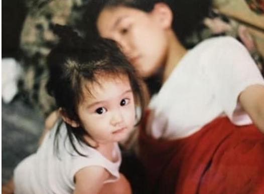 吉岡里帆の幼少期と母親