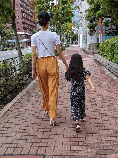 よつ葉ちゃんと新恋人の女性
